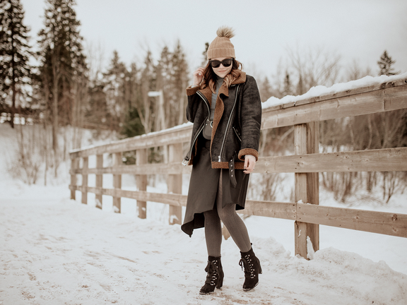 3 Ways Grey Tights Can Elevate your Winter Looks