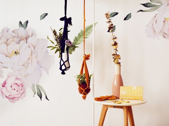 DIY: Turn Ripped Tights into a Plant Hanger