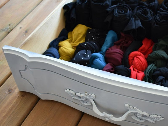 How to store tights properly to avoid runs and keep organized
