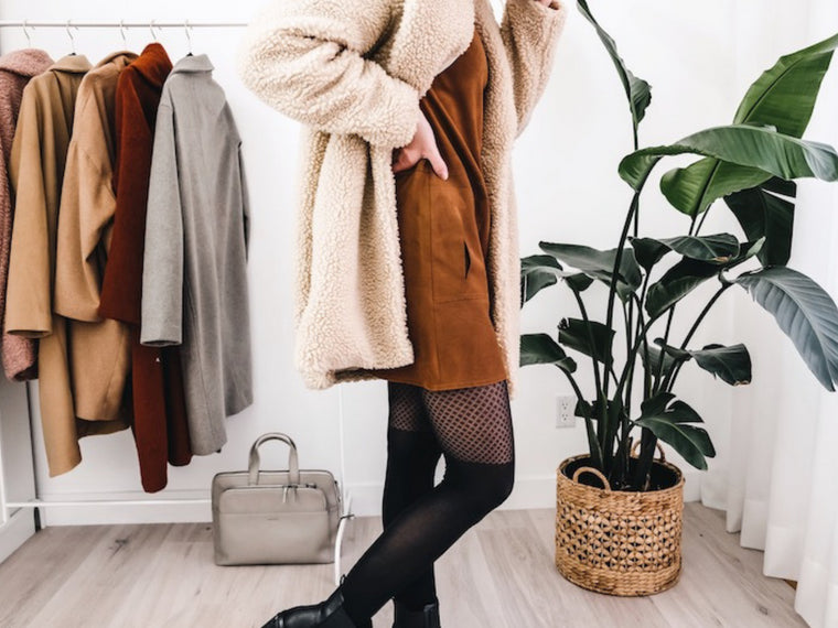 3 looks : comment agencer le manteau Teddy
