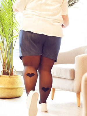 Tights with Back Heart Print (plus size) with denim shorts - Collant avec coeur sur le mollet (tailles plus) avec short en denim