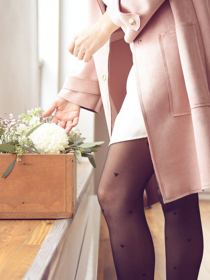 triangle print tights with pink vest - collant triangles avec manteau rose