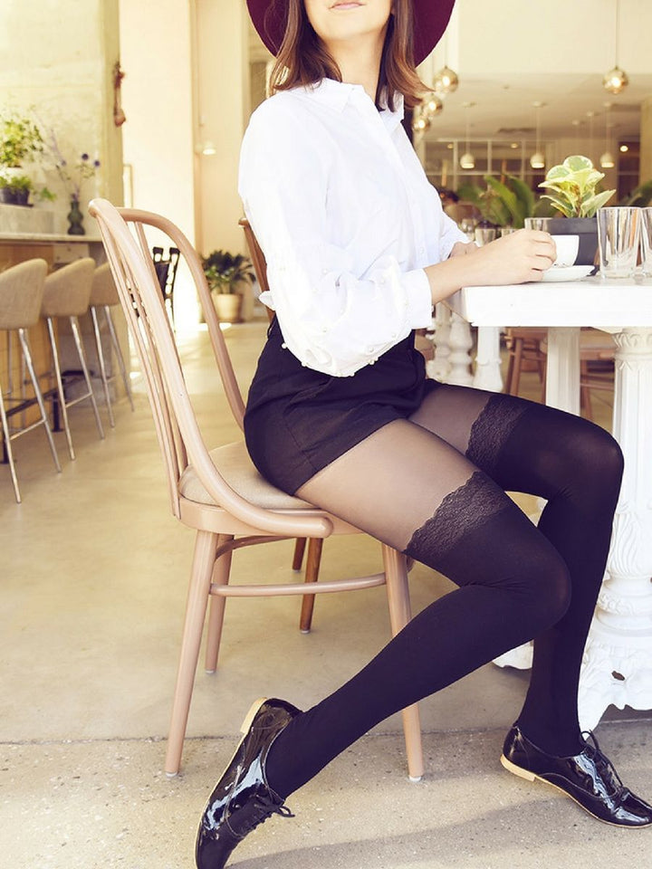 over-the-knee with faux lace tights with white shirt and shorts - collant cuissardes dentelle avec chemise blanche et short
