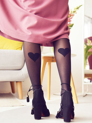 Tights with Back Heart Print with pink dress and heels - collant avec coeur au mollet avec robe rose et talons hauts
