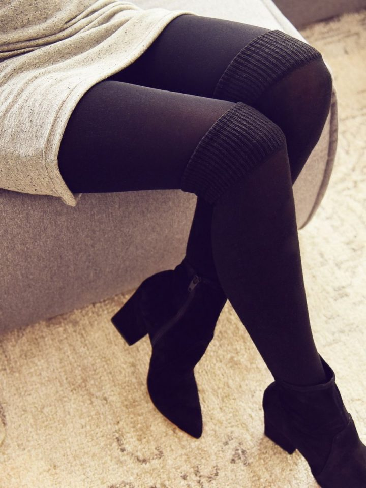 warm over-the-knee tights with grey dress - collant cuissardes chaud avec robe grise