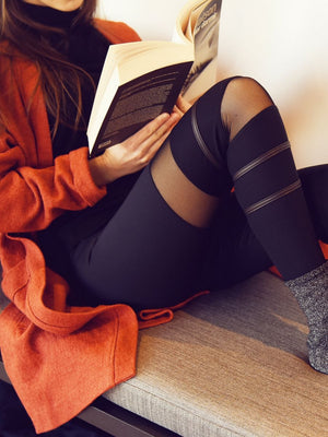 Legging with Right Leg Detailing with orange vest - Legging avec détails sur la jambe droite avec veste orange