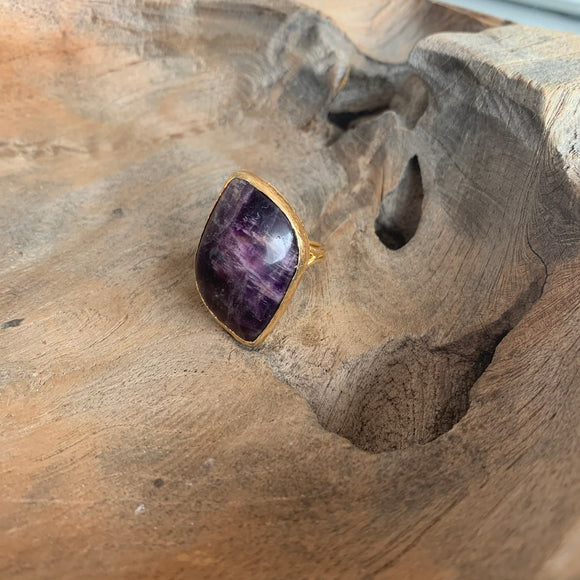 Oval Fluorite Ring in Gold