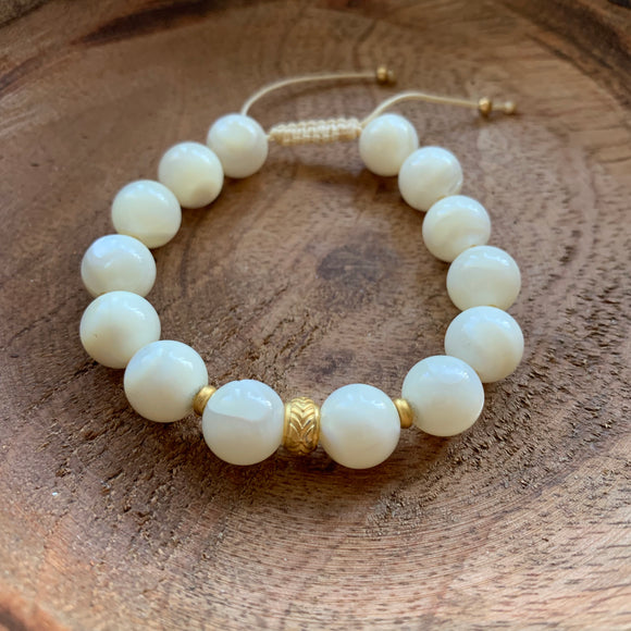 White Shells 10mm Adjustable Beaded Bracelet with Gold Accents