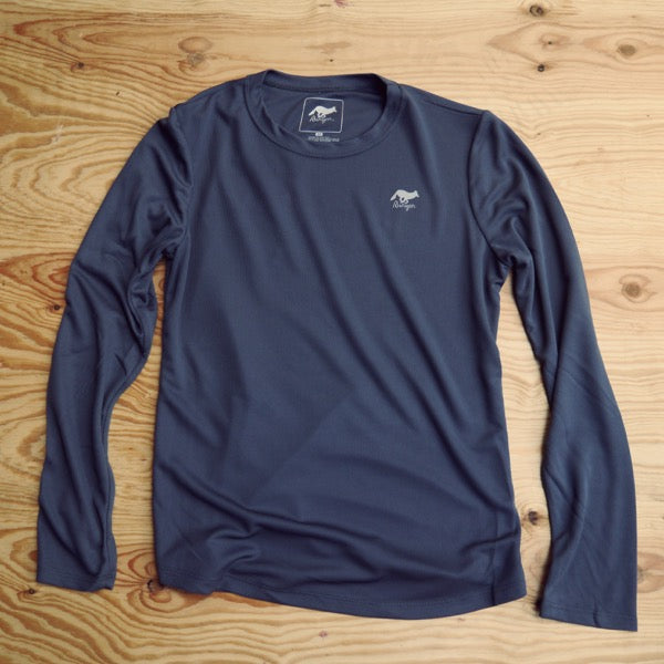 Runyon Women's Graphite Long Performance Trail Fitness Shirt made in usa fitness wear running hiking yoga outdoors runyon canyon apparel