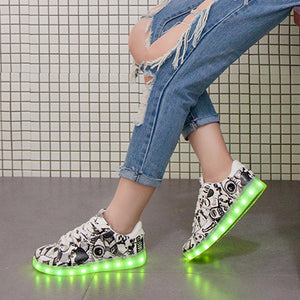 11-colors unisex  Led Children Lighting Shoes With Light Up for GirlsKids Glowing illuminated sneaker Luminous Sneakers White