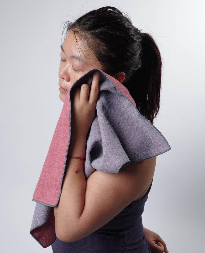ColorTrue Gummy Yoga Towel & Hand Towel Set