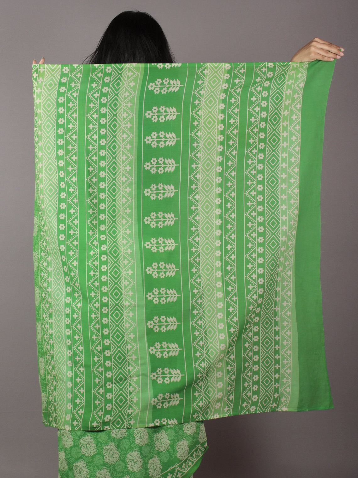 Green Ivory Hand Block Printed in Cotton Mul Saree - S031701784