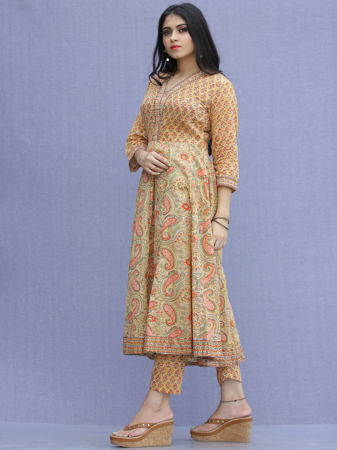 Jashn Zafraan - Set of Kurta Pants & Dupatta - KS33A2272D