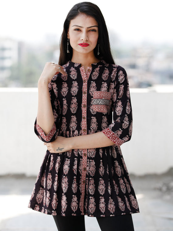 c630913e687 Black White Red Bagh Hand Block Printed Cotton Top - T62F2069