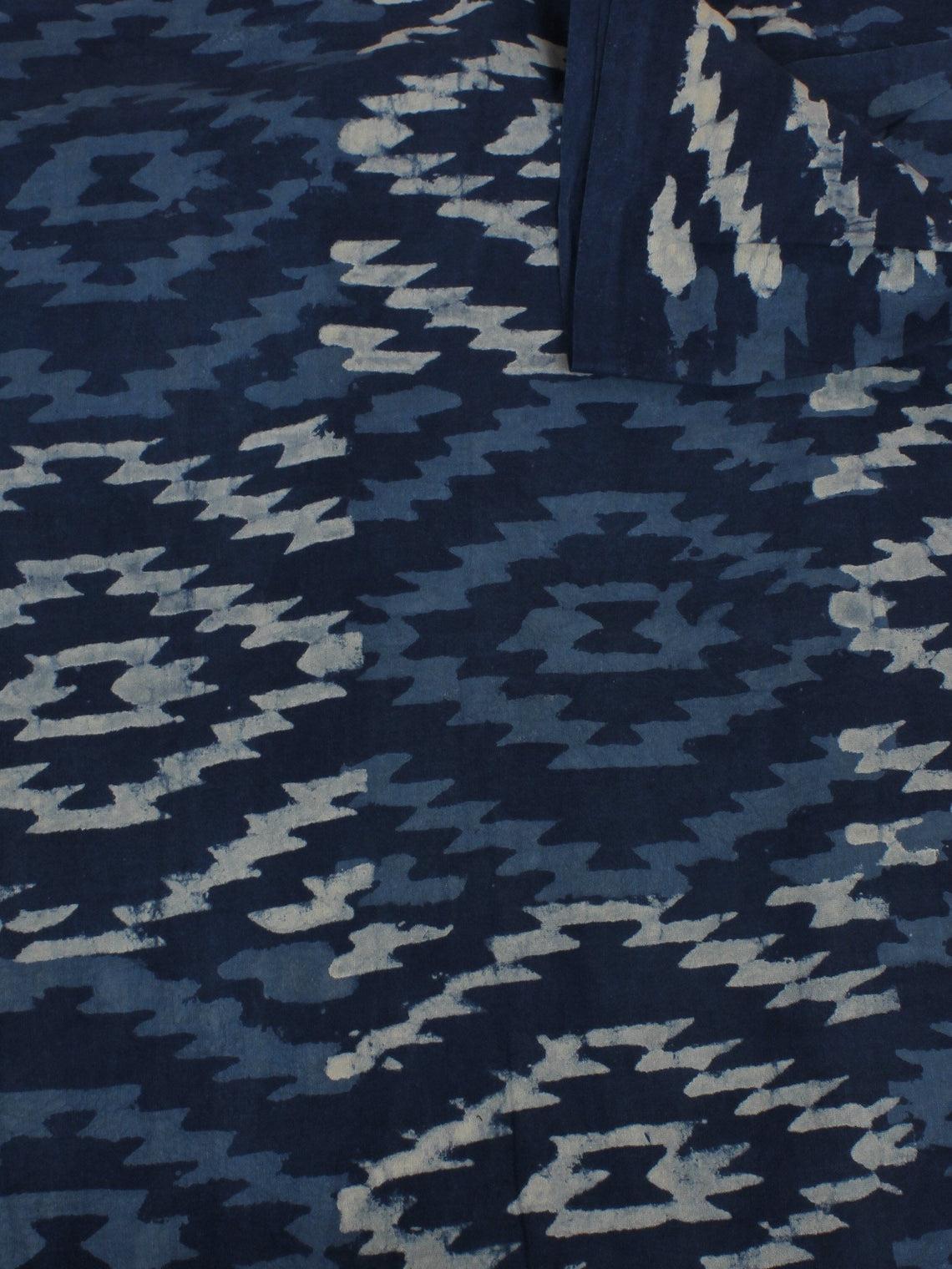 Indigo White Hand Block Printed Cotton Cambric Fabric Per Meter - F0916153