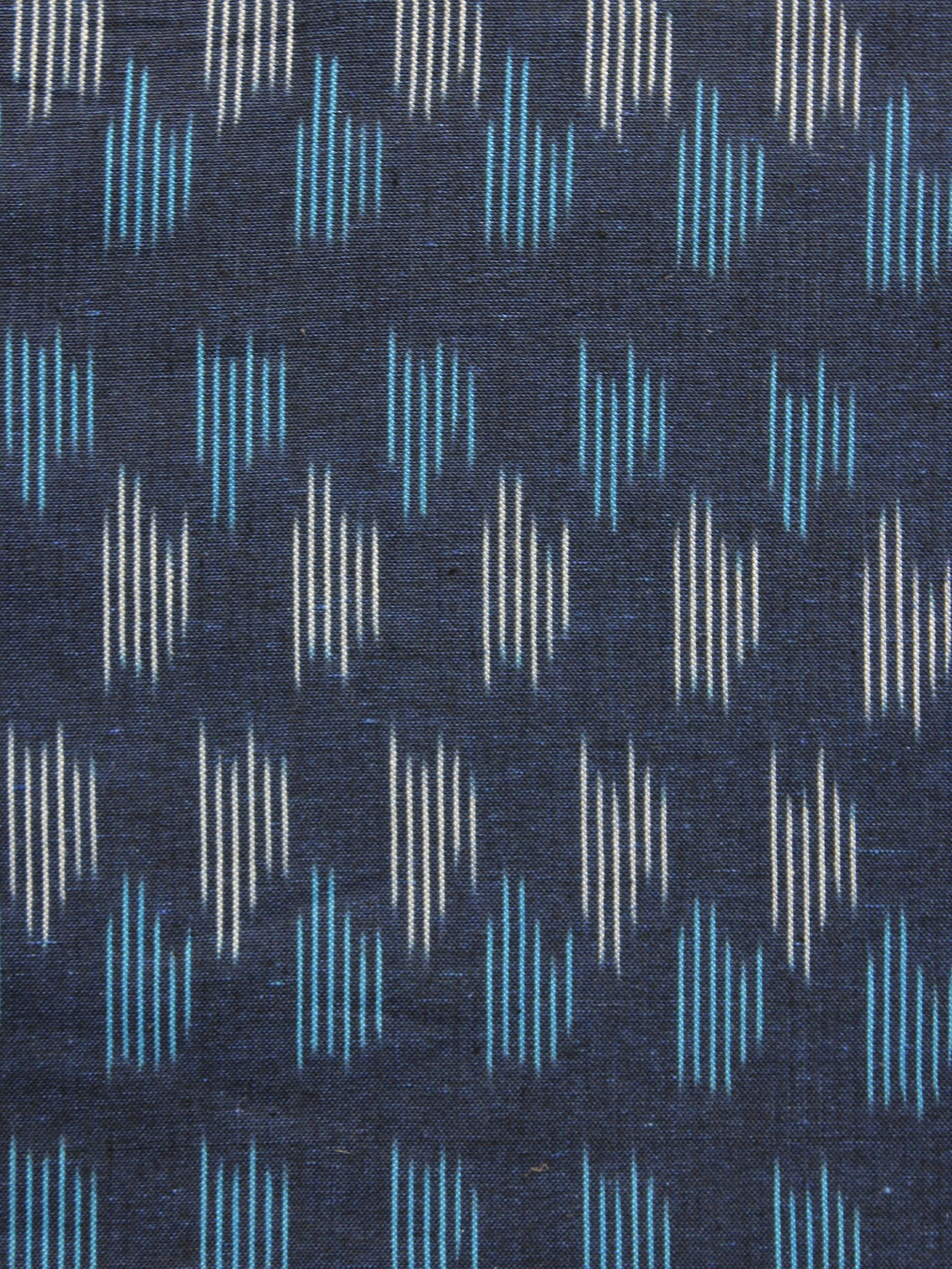 Blue White Pochampally Hand Woven Ikat Fabric Per Meter - F002F939