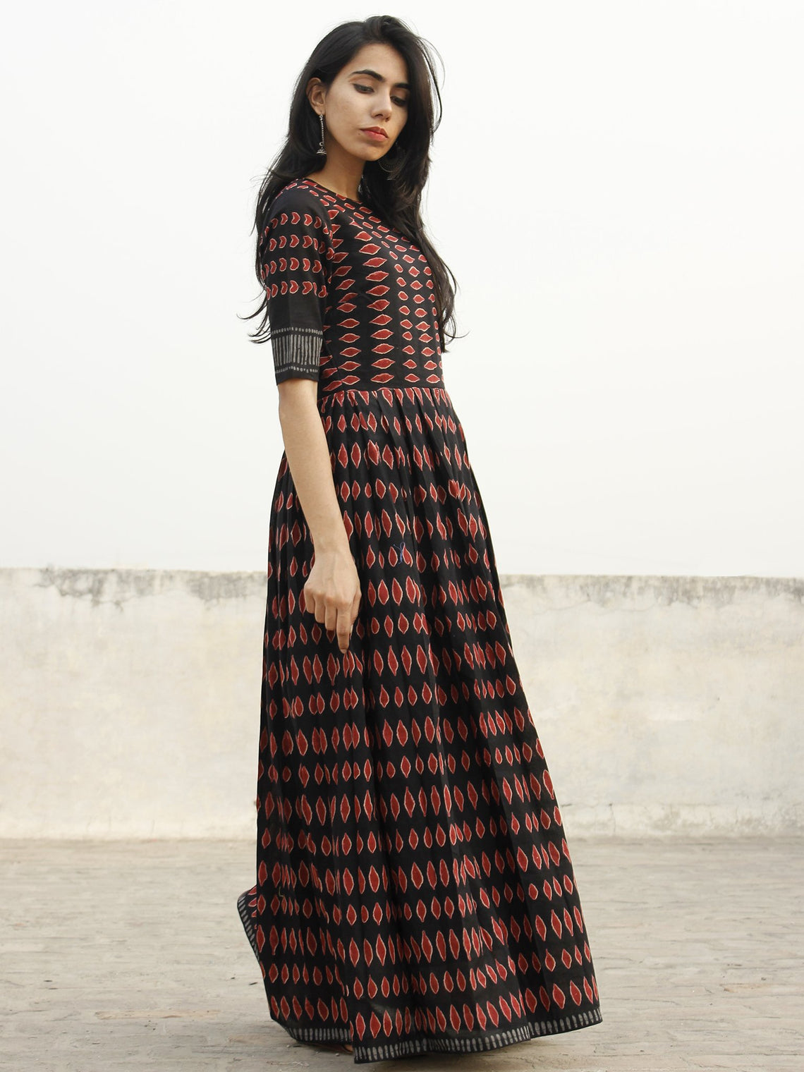 Naaz Aazia - Black Maroon Grey Long Hand Block Cotton Dress With Knife Pleats & Lining - DS43F001