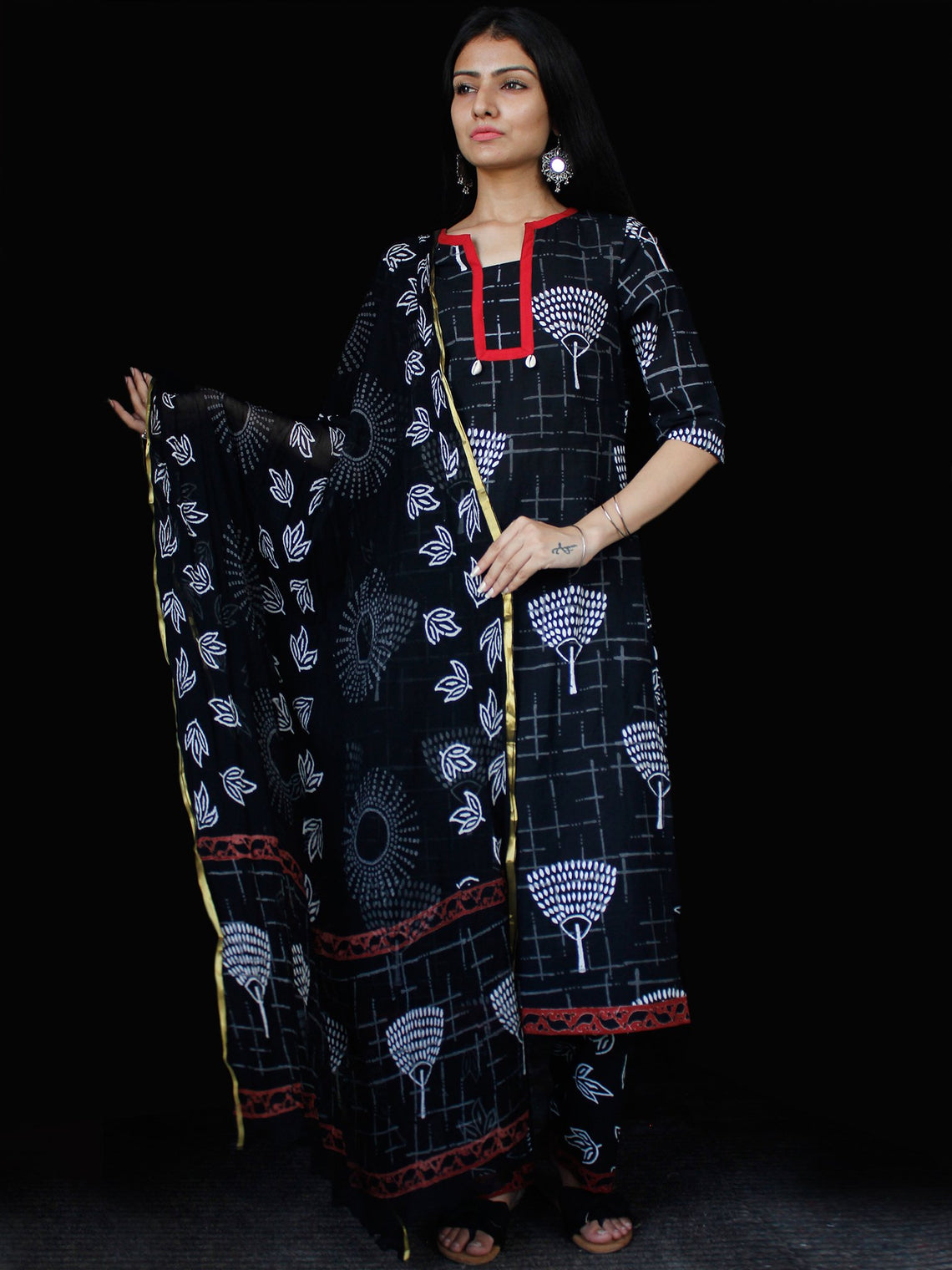 Black White Cotton Block Printed Suit - Set of 3 - SS01F022