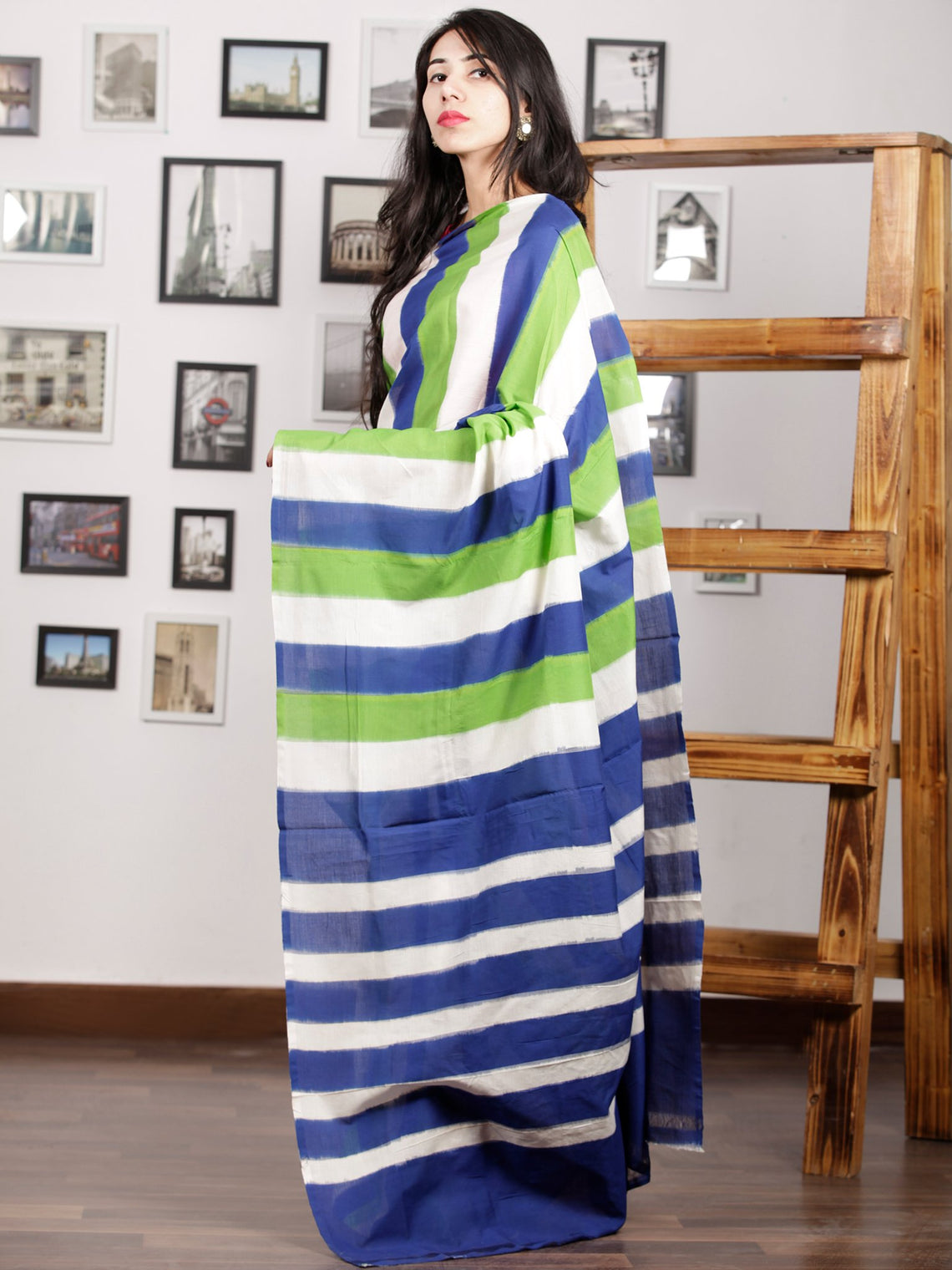 Indigo Green Ivory Ikat Handwoven Pochampally Mercerized Cotton Saree - S031701423