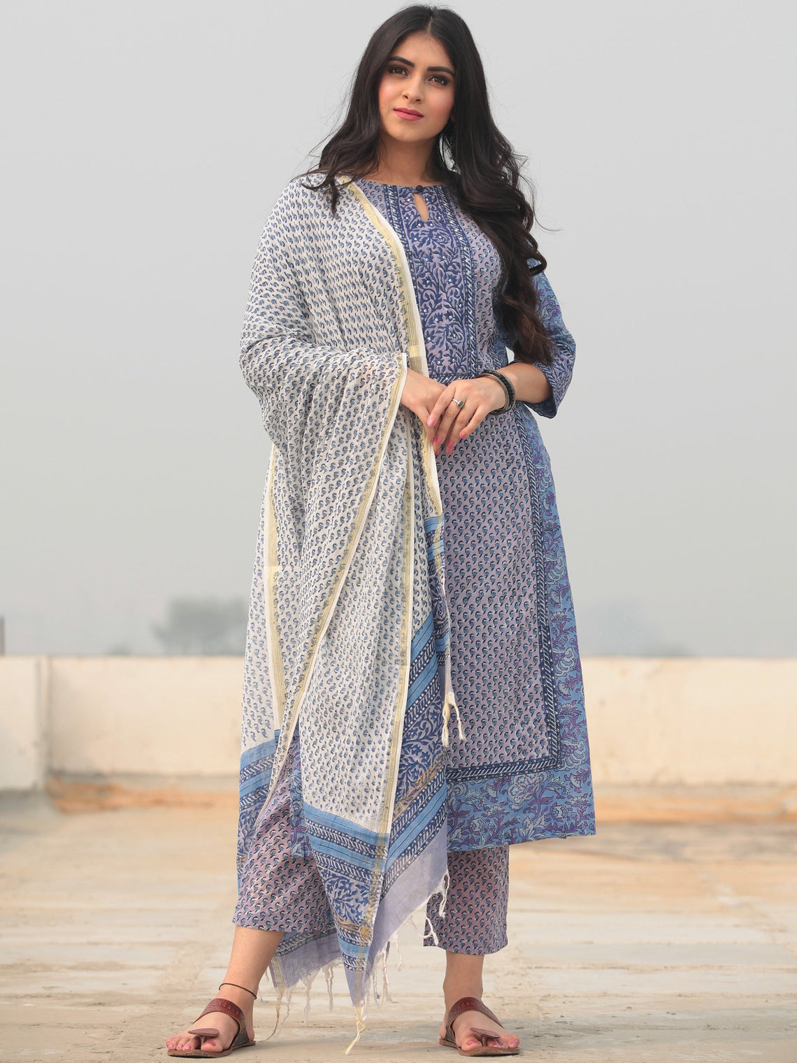 Jashn Samah - Set of Kurta Pants & Dupatta - KS76A2366D