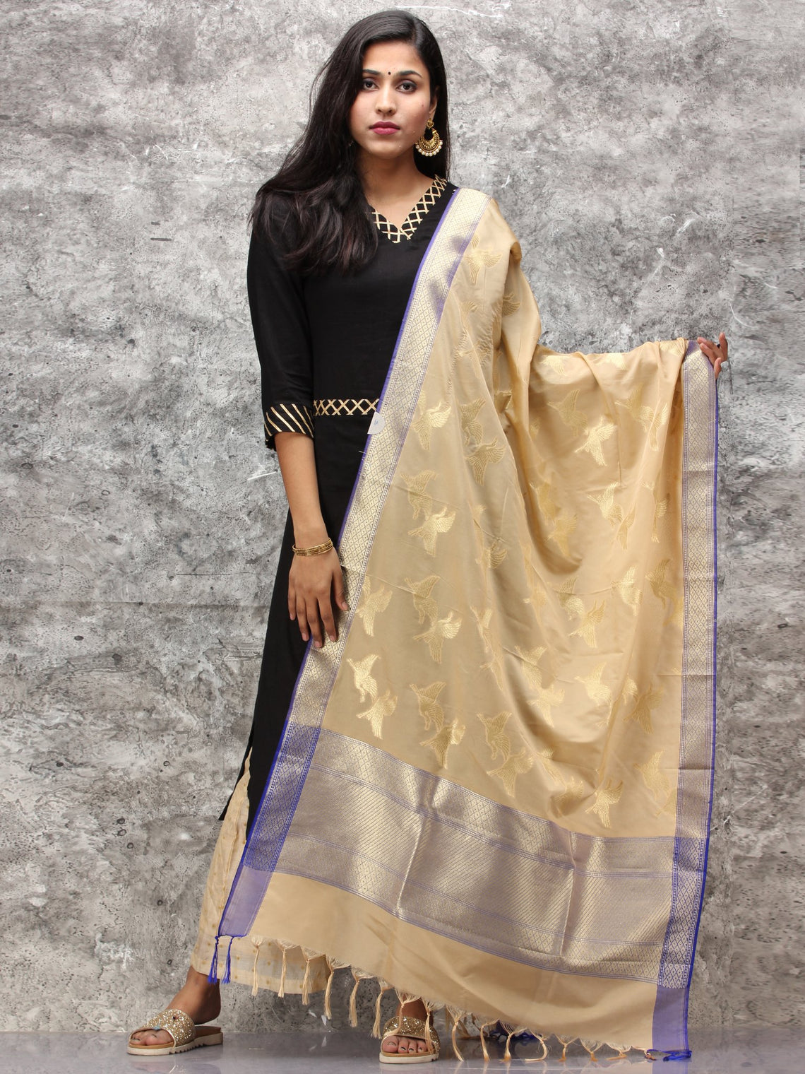 Banarasi Kanni Silk Dupatta With Zari Work - Beige & Gold - D04170889