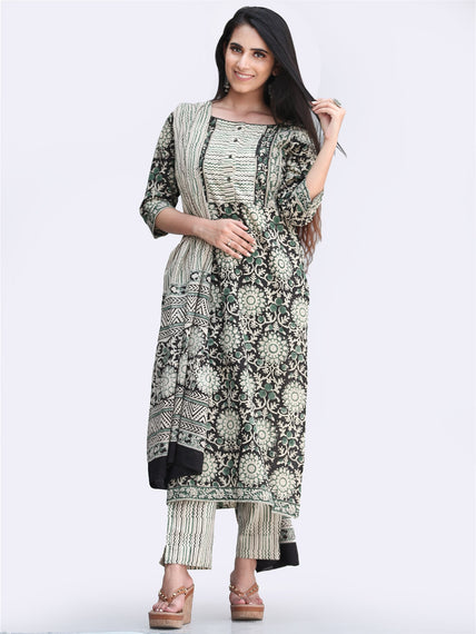Bahaar Adara - Set of Kurta Pants & Dupatta - KS148A2444D