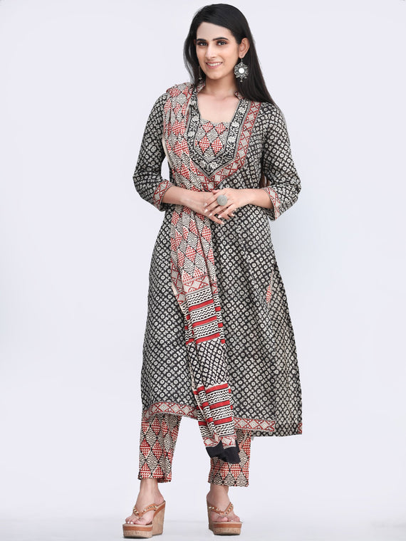Bahaar Zaara - Set of Kurta Pants & Dupatta - KS151A2447D