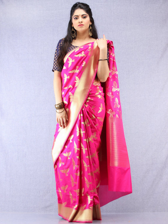 Banarasee Art Silk Saree With Bird Motif - Magenta & Gold - S031704325