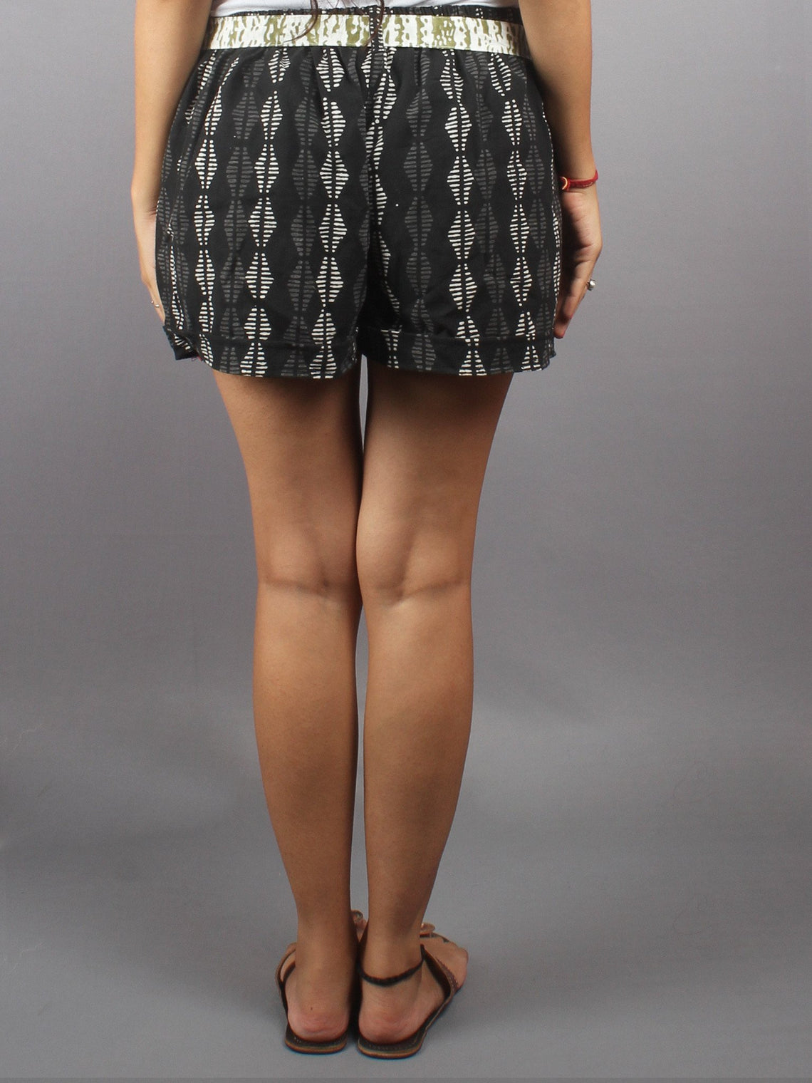 Black Hand Block Printed Shorts With Belt -S5296007