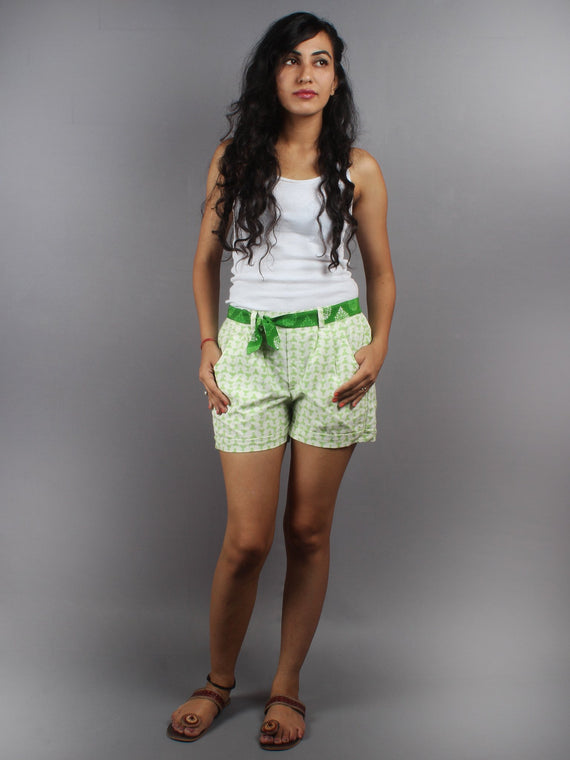 Green Hand Block Printed Shorts With Belt -S5296010