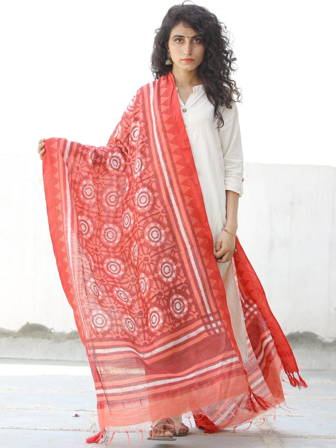 Coral Red White Handloom Cotton Hand Block Printed Dupatta - D04170600