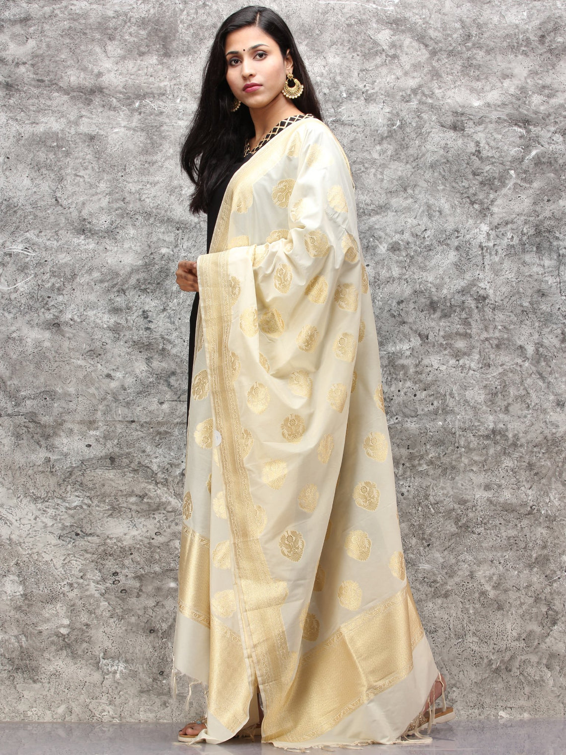 Banarasi Kanni Silk Dupatta With Zari Work - Beige & Gold - D04170887