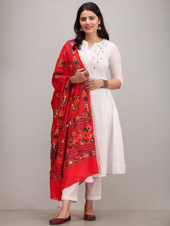 Noor Amoli -   Embroidered Kurta Pant Set With Mirror Work Dupatta - KS113AYYD2