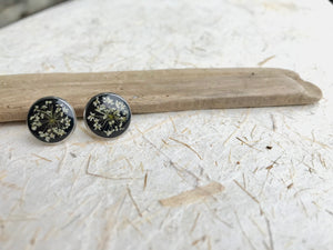 queen annes lace black stud earrings with eco resin; stainless steel