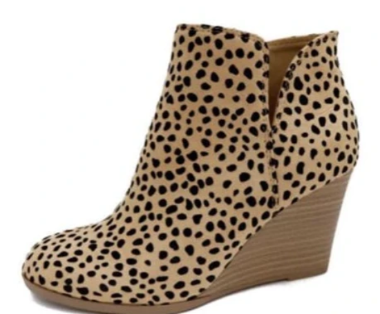 Betty - Cheetah Pattern Wedge Ankle Boots