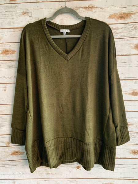 Dana - V Neck Sweater