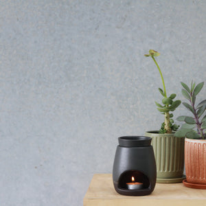 Noir Oil Burner
