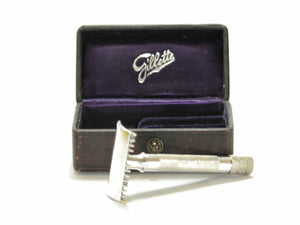 1906 Gillette Single Ring with Case