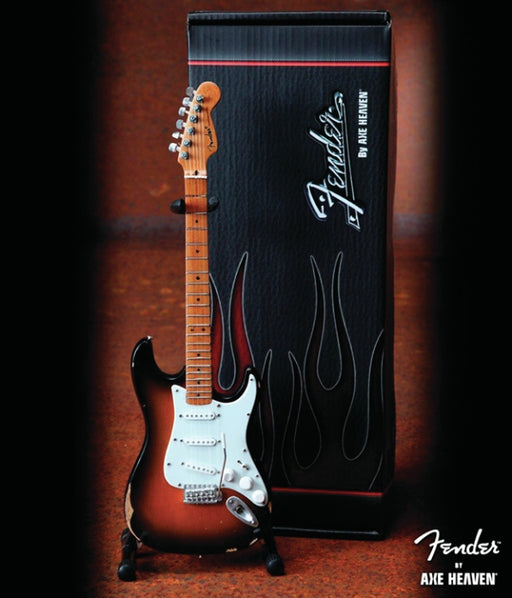 Axe Heaven FS-012   Fender Worn Sunburst Mini Strat