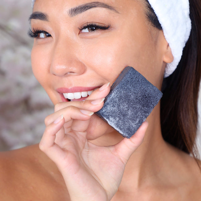 Multi-Functional Soap Sponge Charcoal Daily Concepts Luxury Spa Goods