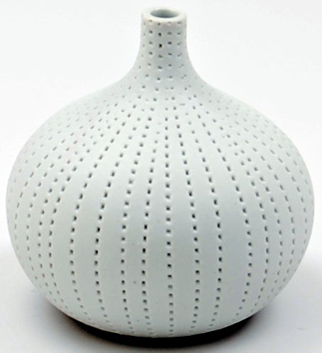 Congo White Tiny C-Vase