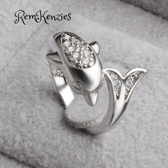 Dolphin C Z Crystal Ring