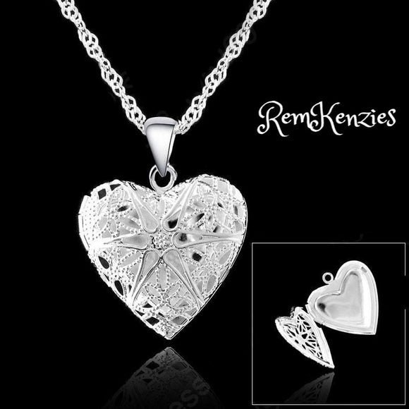 One PC Frame Case Picture Heart Pendant Necklaces