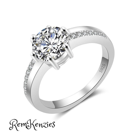 Special Round Crystal Engagement Gift