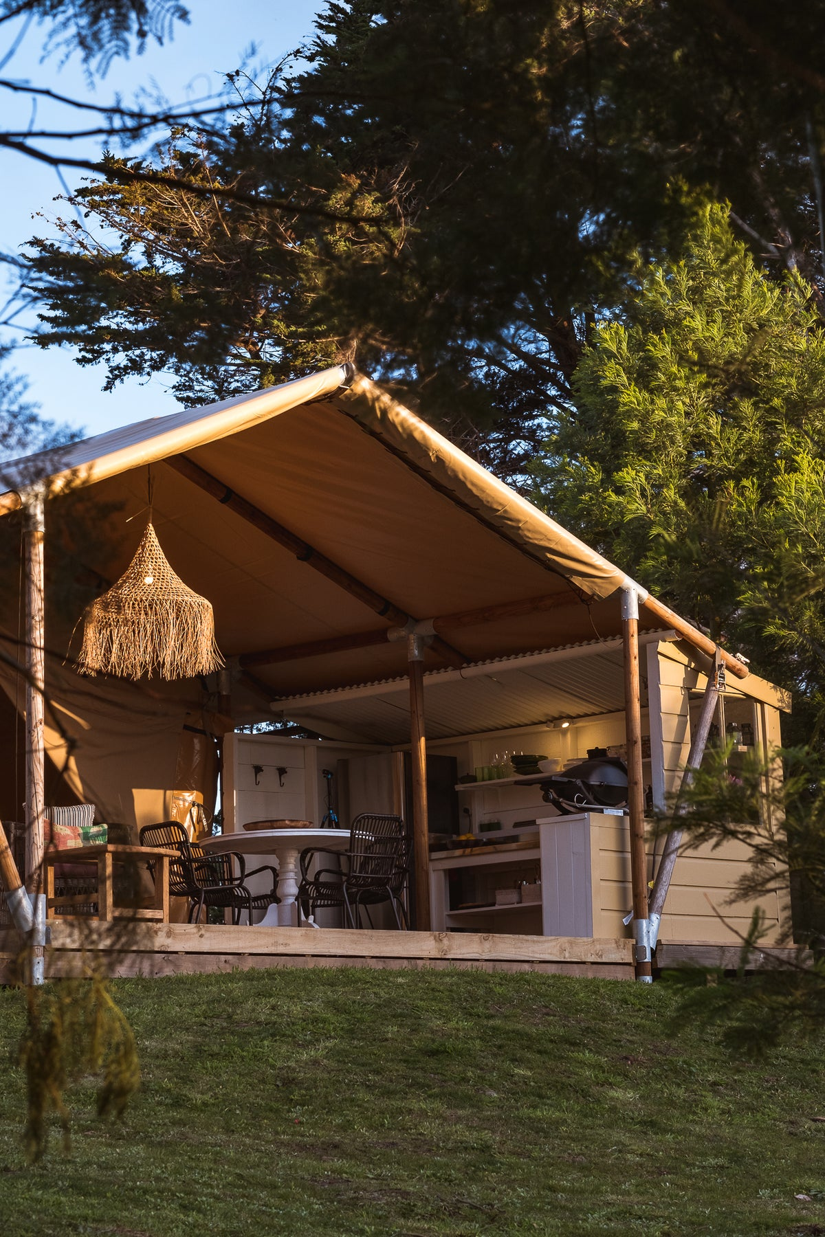 CLIFTON GLAMPING | SOURCING & STYLING