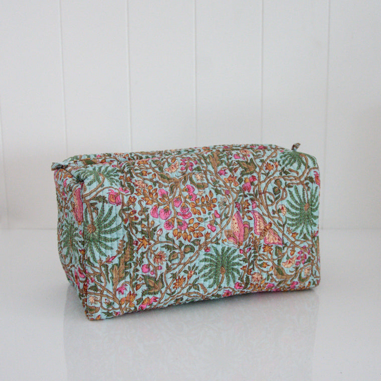 BLOCK PRINT TOILETRIES BAG / TURQUOISE