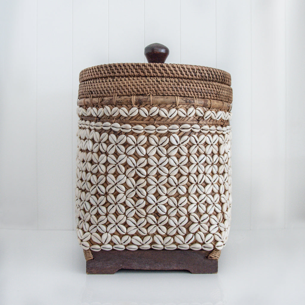 RATTAN SHELL BASKET / NATURAL