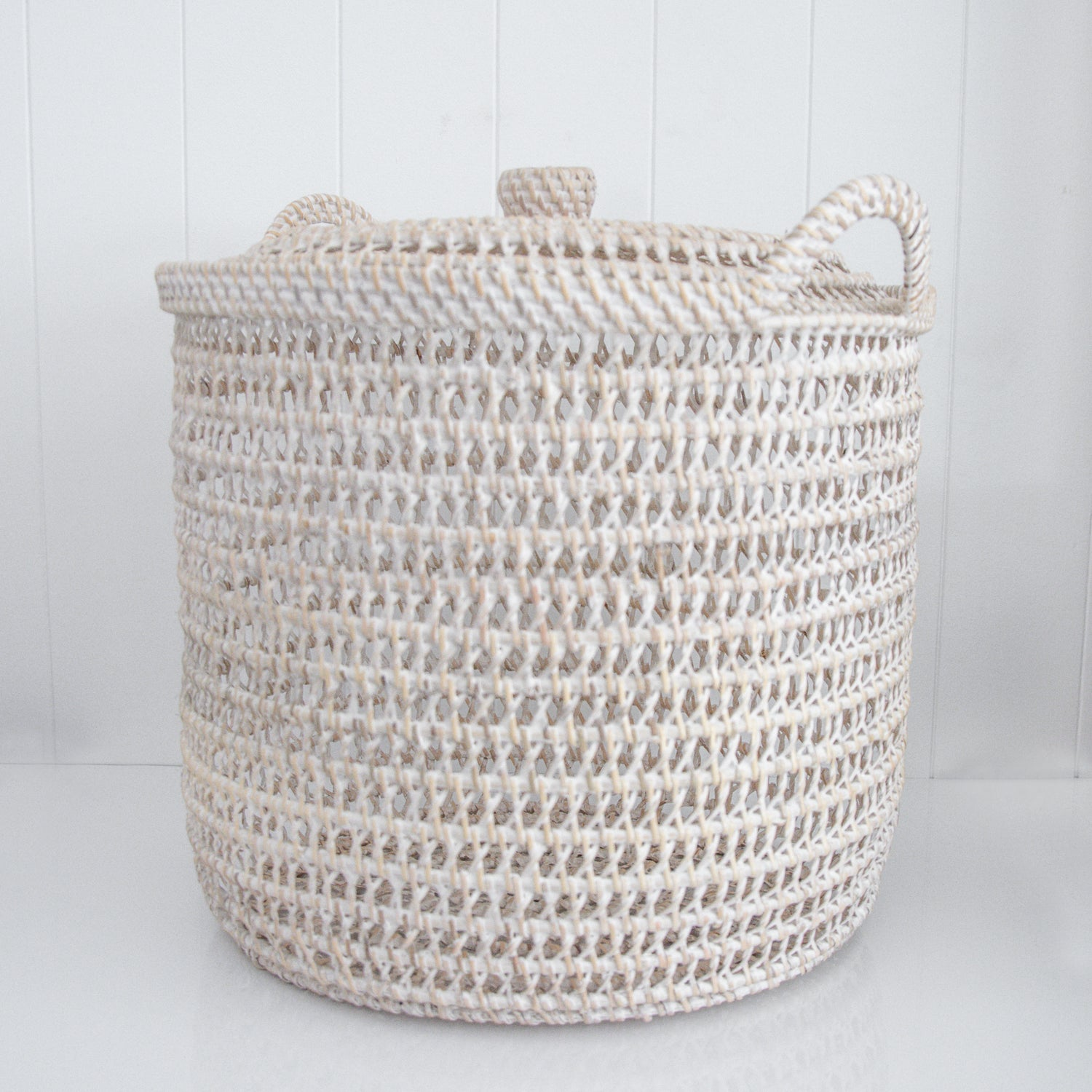 RATTAN BASKET WITH LID / WHITE / TWO SIZES