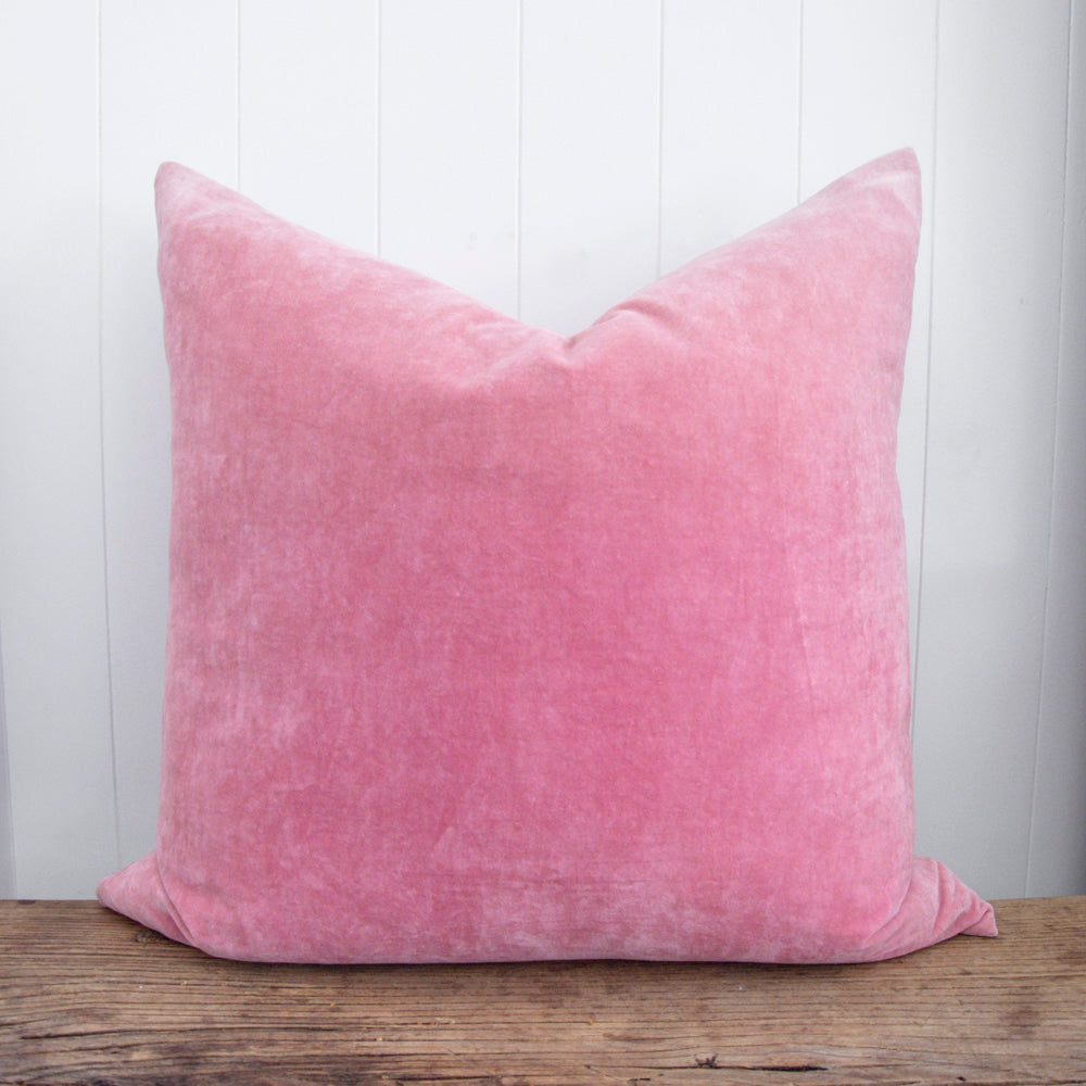 VELVET CUSHION / BLUSH