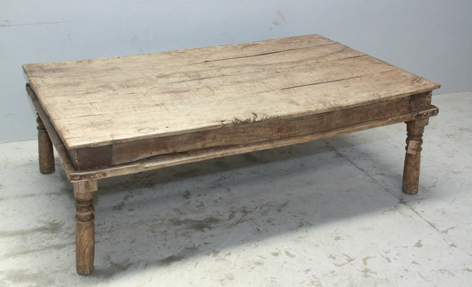 VINTAGE INDIAN COFFEE TABLE